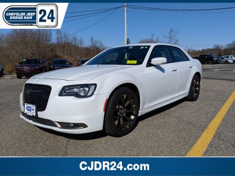 Certified Pre-Owned 2016 Chrysler 300 300S Alloy Edition