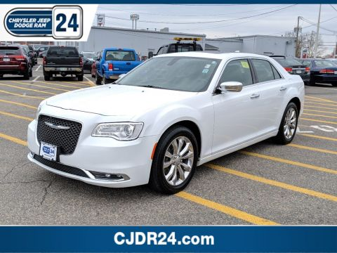 Certified Pre-Owned 2016 Chrysler 300 300C